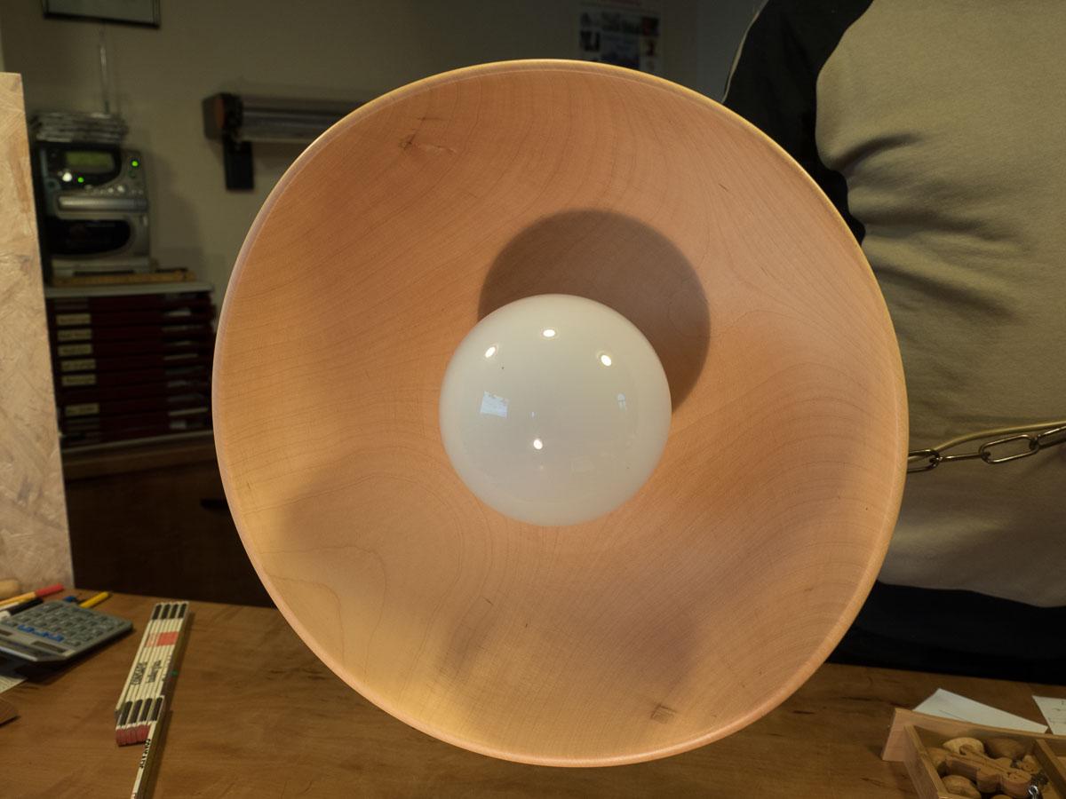 Lampe aus Ahornholz