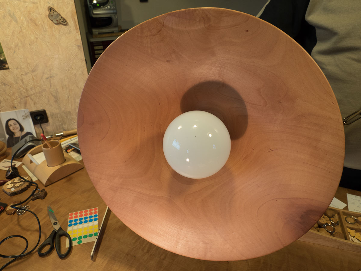 Lampe aus Birnbaumholz